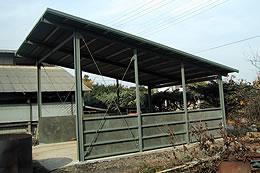 リプラウッドパネル 堆肥舎使用例